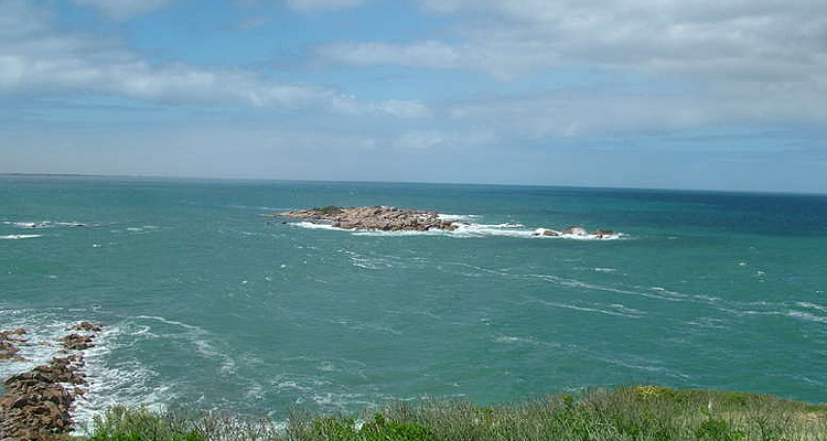 Pullen Island in Horseshoe Bay, Port Elliot